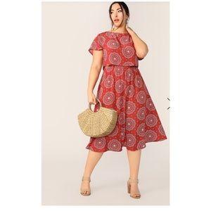 SHEIN Plus Print Top & Elastic Skirt Set